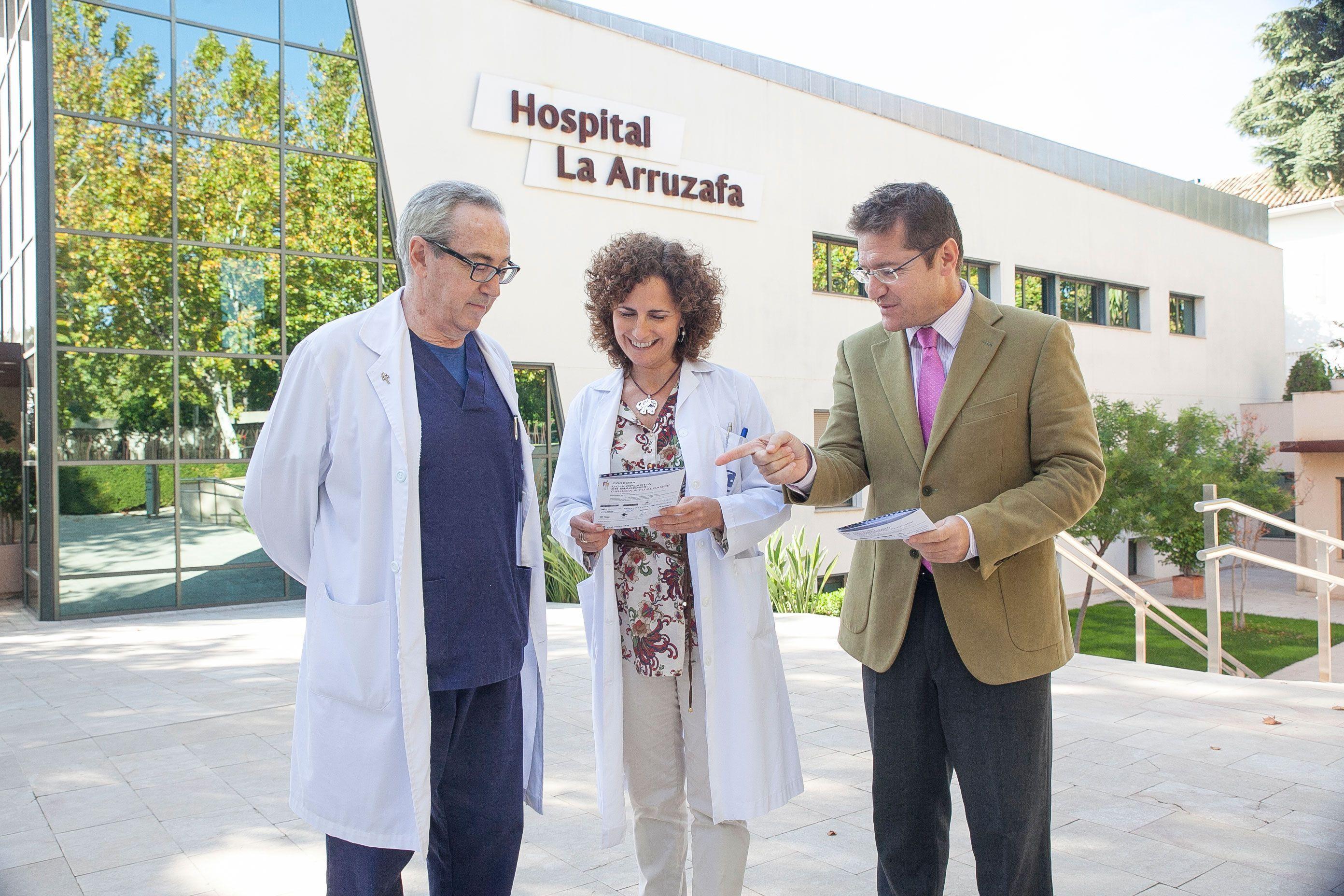 Juan Manuel Laborda, director Médico; Concha Aránguez, directora Fórum Arruzafa 2014; y Rafael Agüera, director gerente del Hospital La Arruzafa.