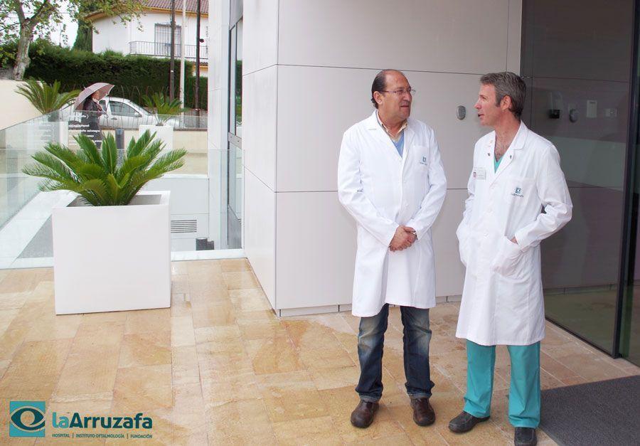Diego José Torres y Antonio Hidaldo, oftalmólogos del Hospital La Arruzafa