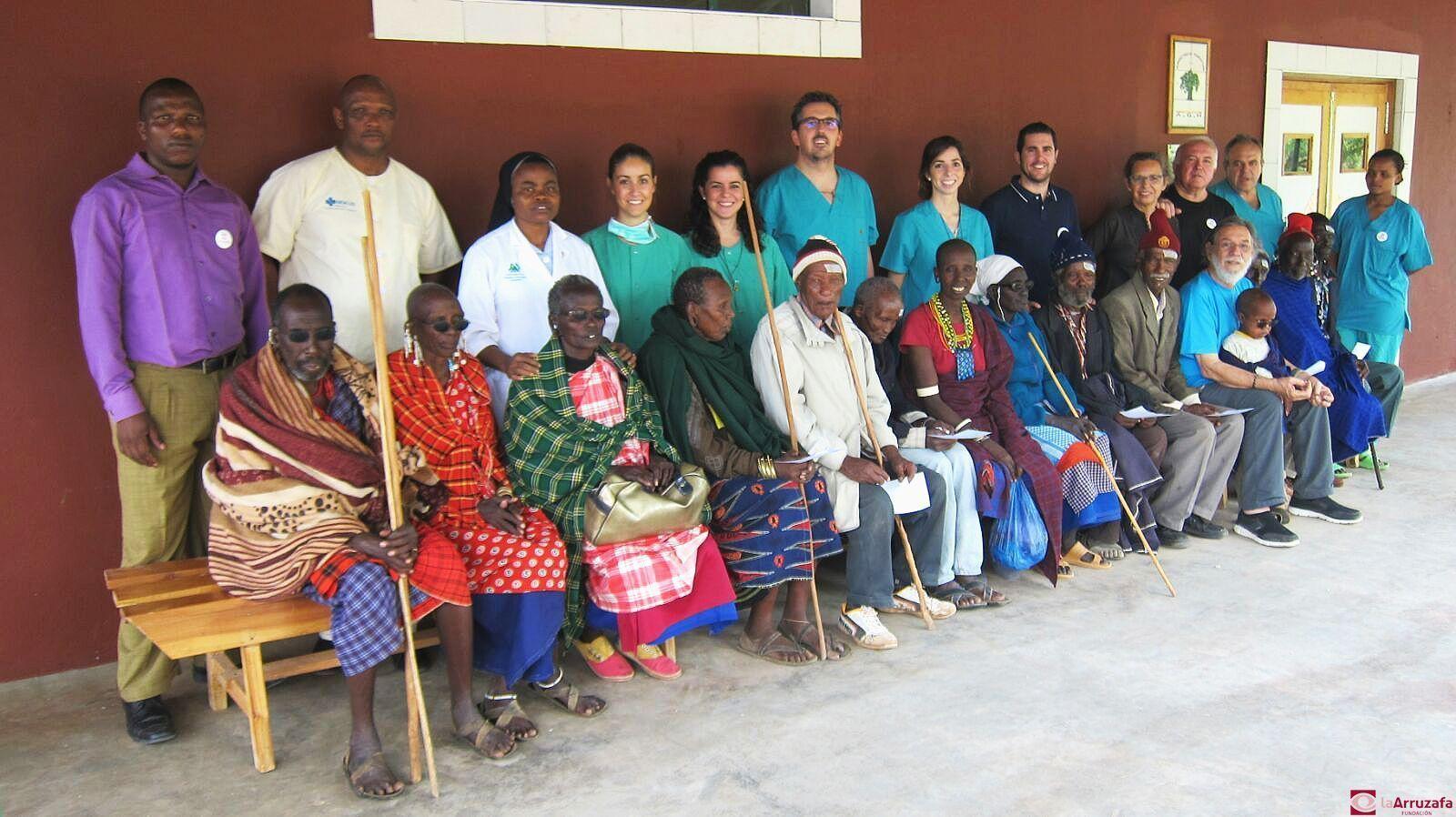 Equipo de cooperantes de la Fundación La Arruzafa en la expedición 'Tanzania XI'